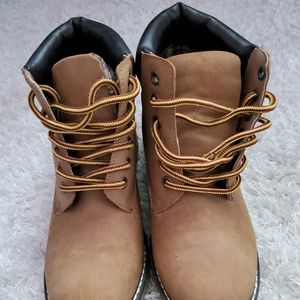 Black poppy boots